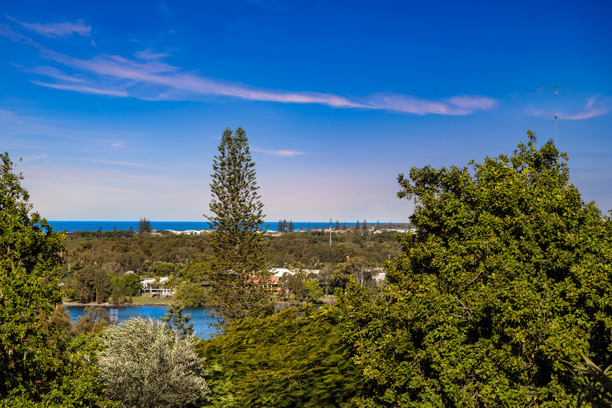 34 Pacific Drive BANORA POINT