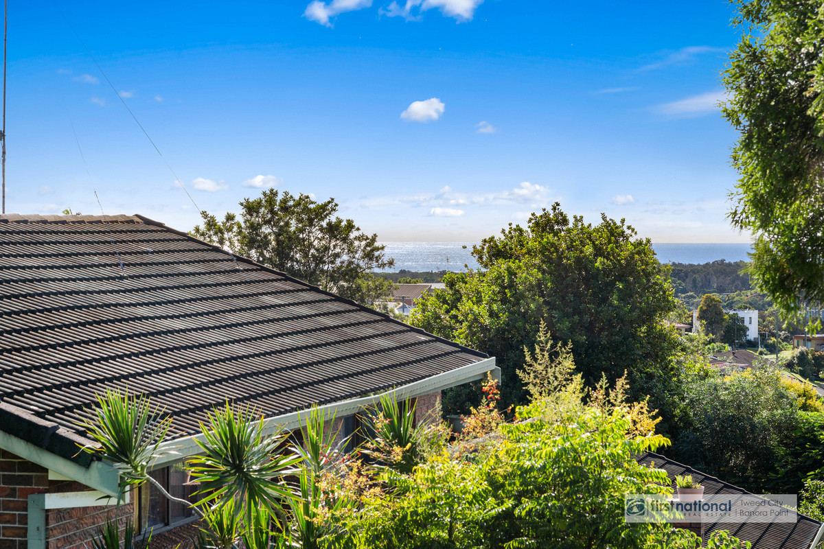 32 Pacific Drive BANORA POINT