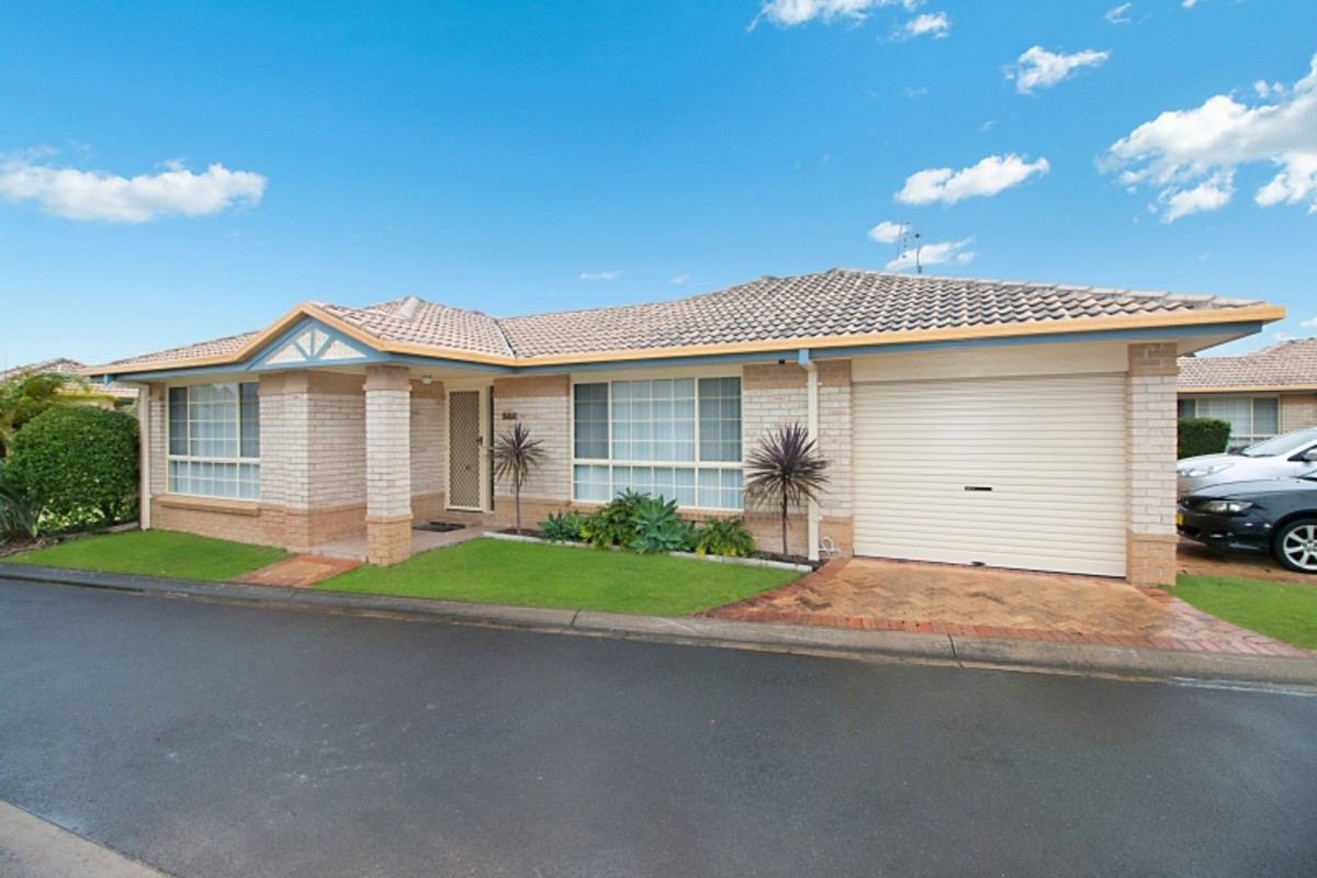 10/1 Cromer Court BANORA POINT