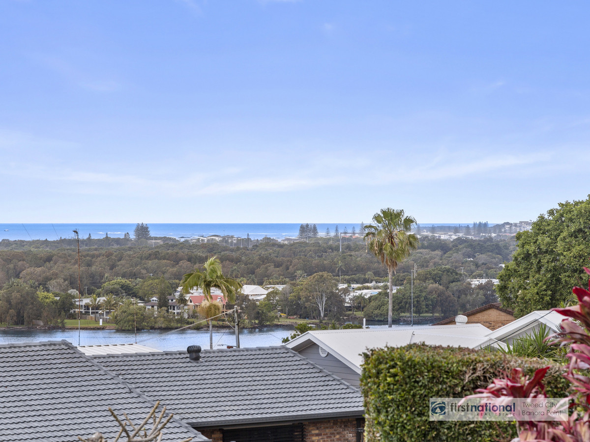 9 Pacific Drive BANORA POINT