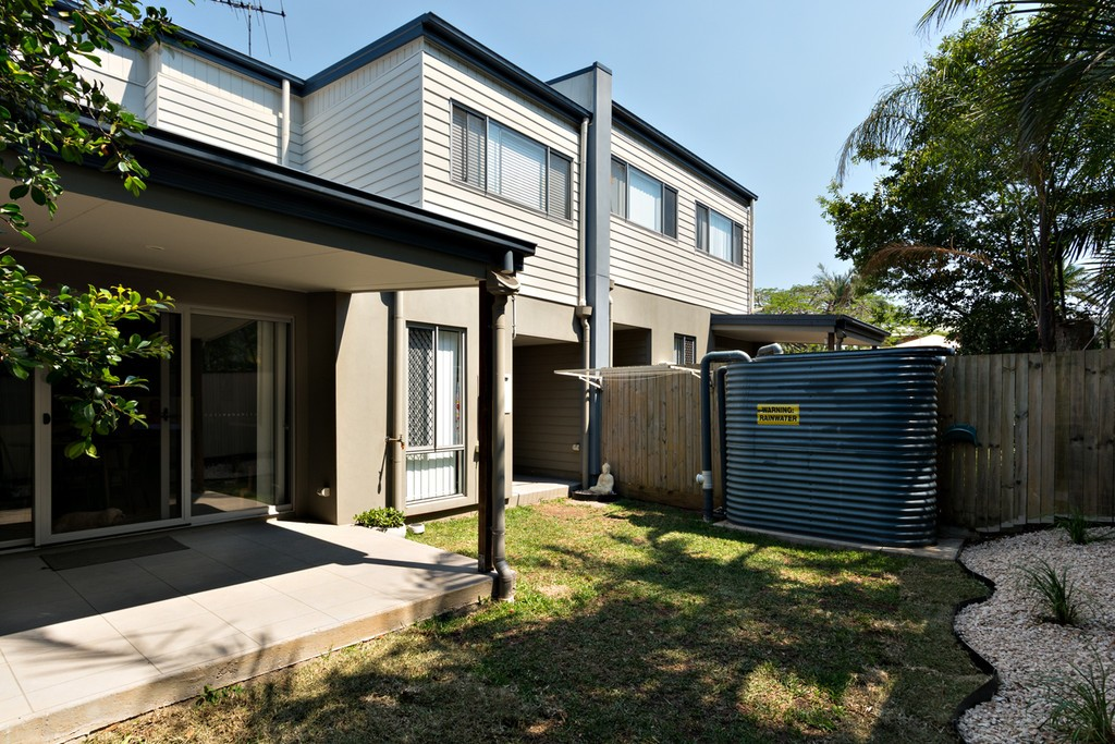 2/49 Rodway Street ZILLMERE