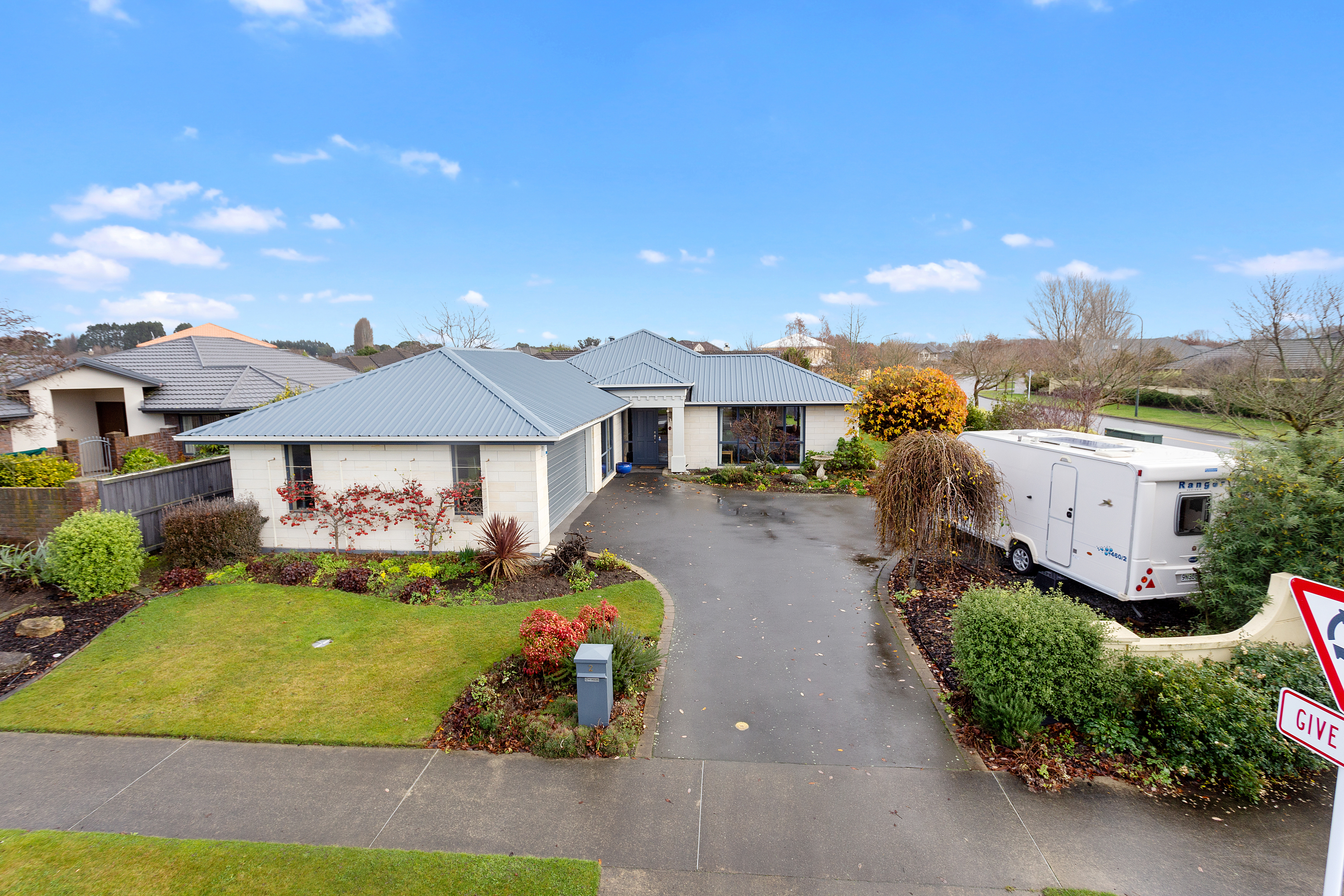 2 Annaby Drive NORTHWOOD