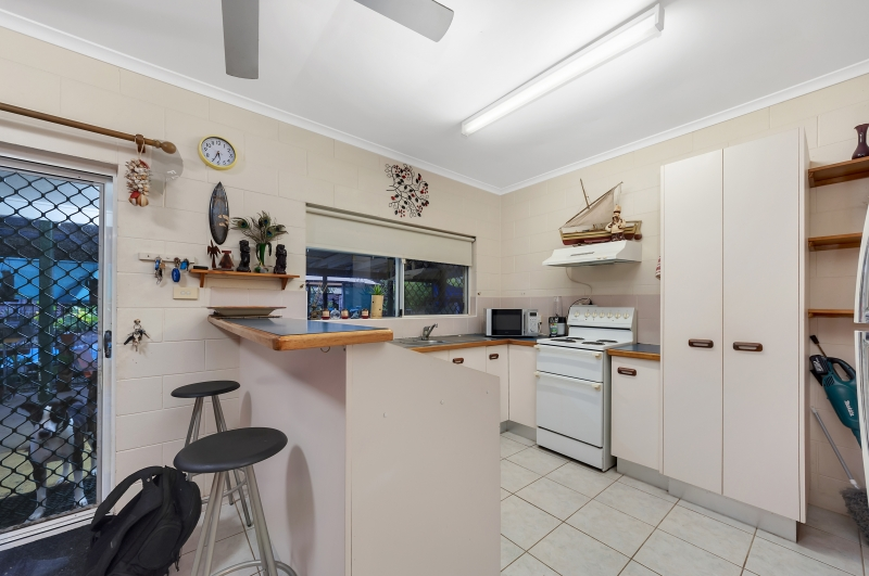 8 Reliance Close BENTLEY PARK