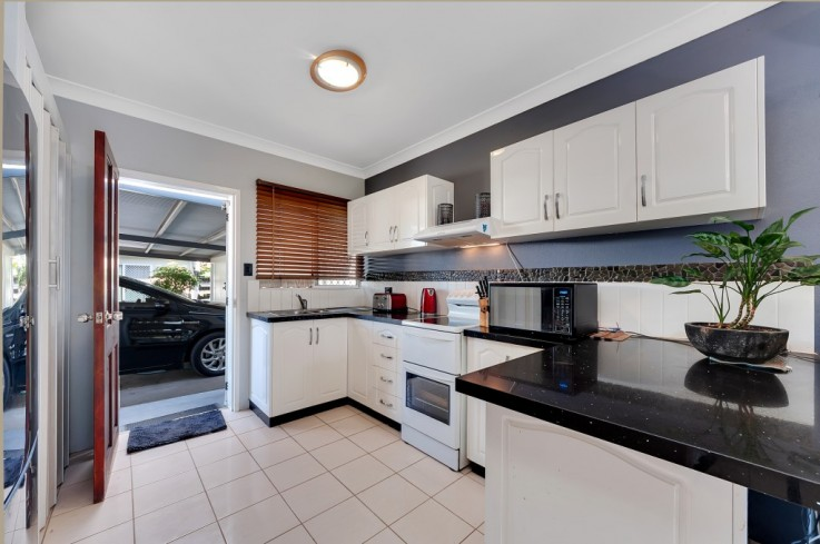 2/4 Golden Grove Drive