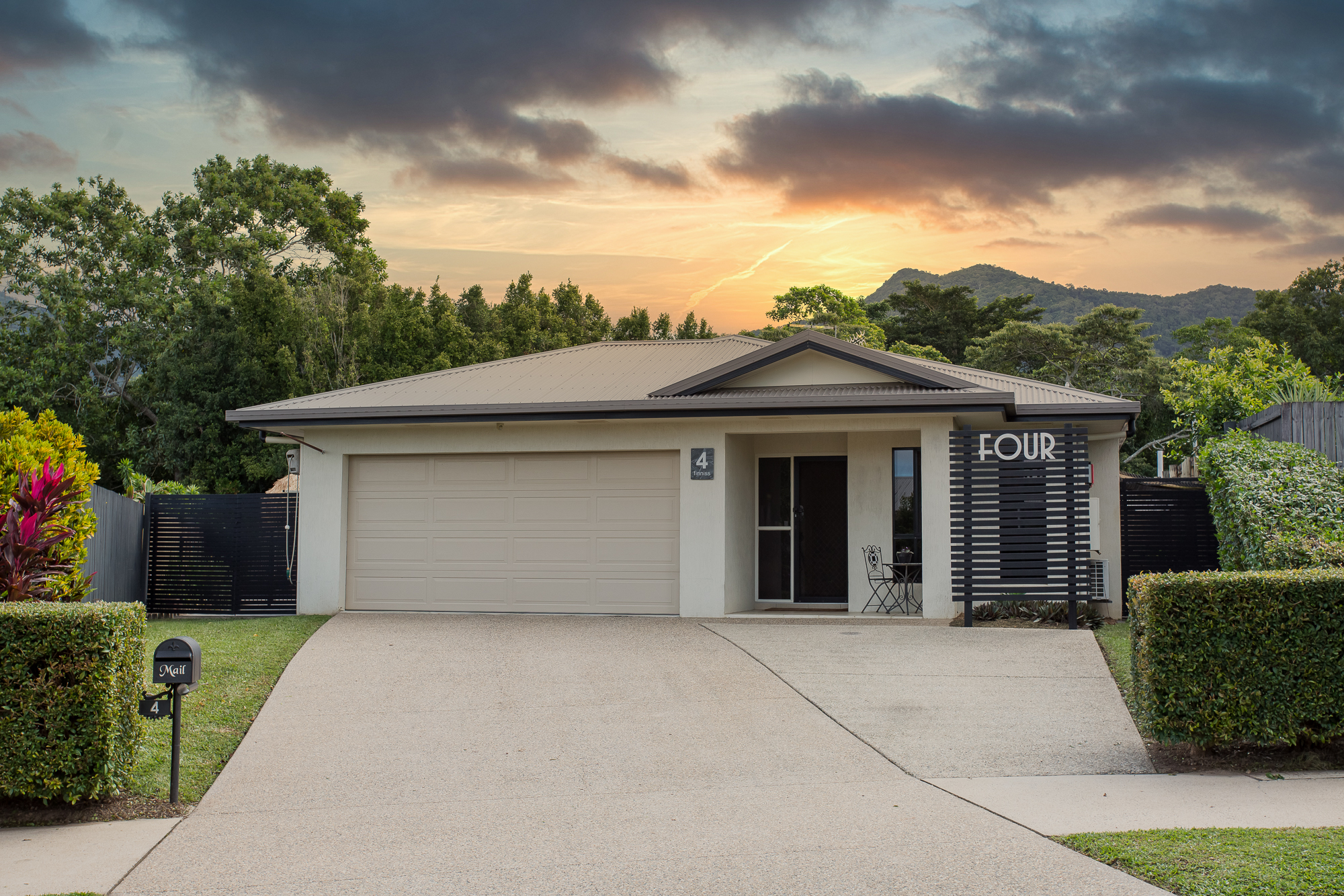 4 Finniss Crescent BENTLEY PARK
