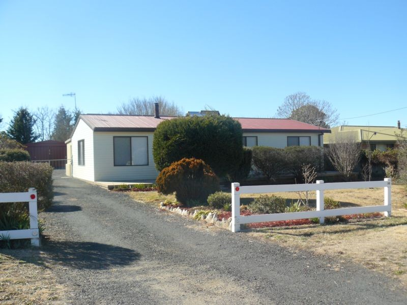 36 Thomas St GLEN INNES