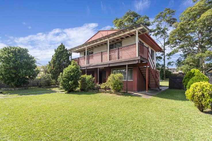 9 Macleans Point Road