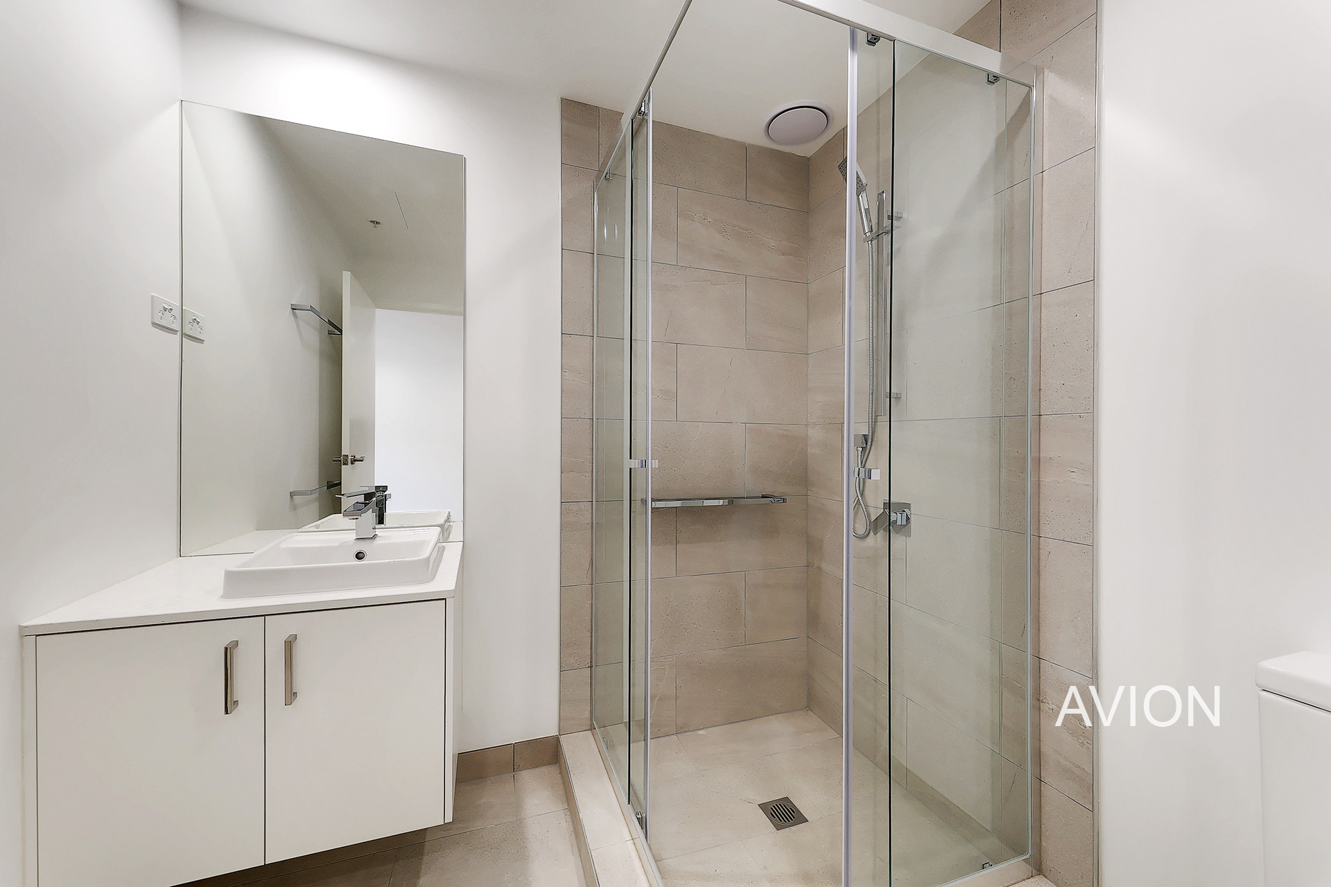 Ringwood Apartments For sale bathroom