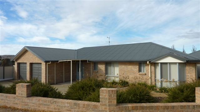 3A Kunama Close BERRIDALE
