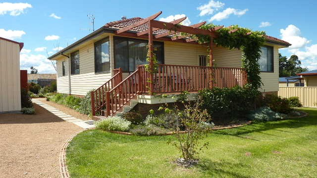 8 Katri Close BERRIDALE