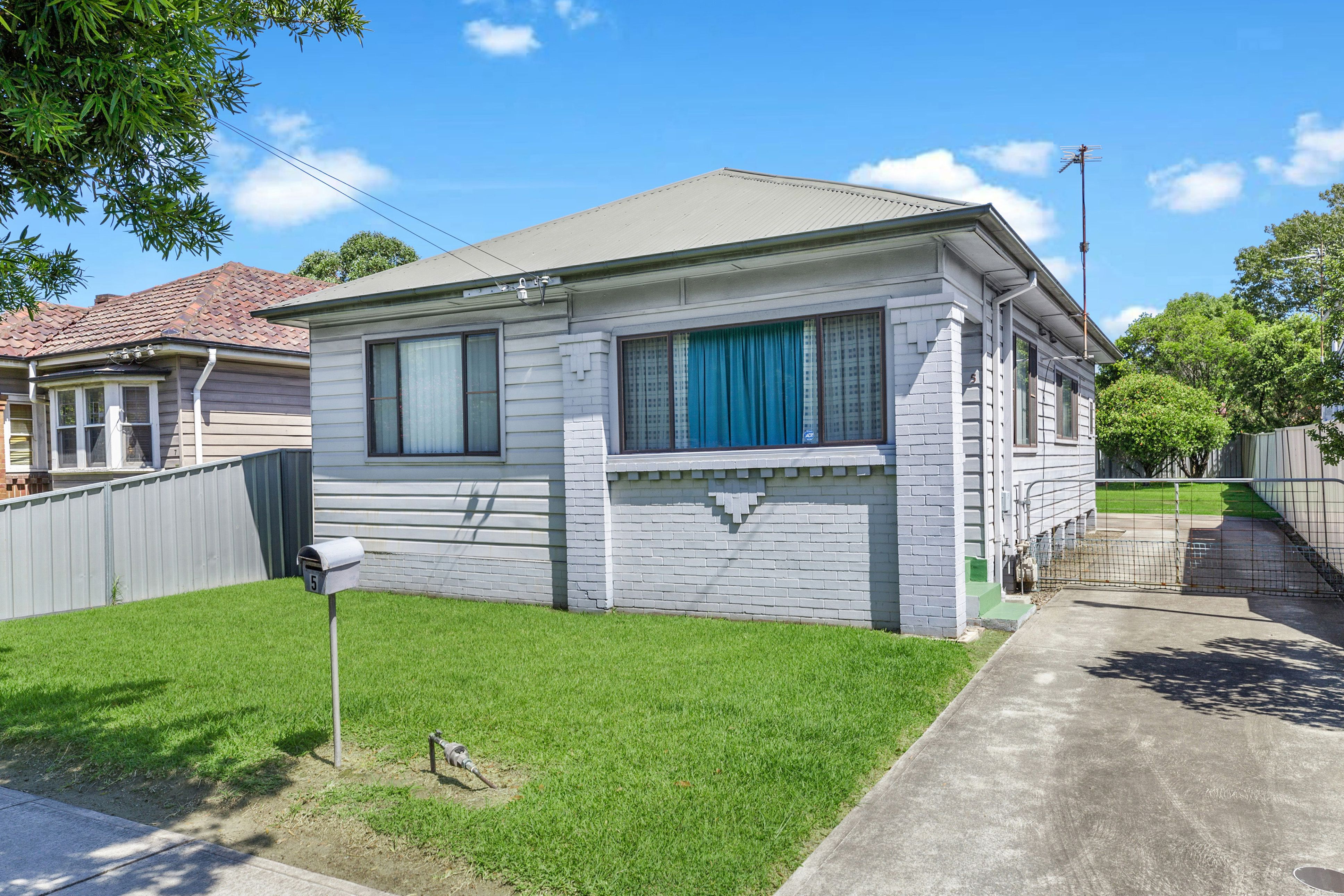 5 Maud St MAYFIELD WEST