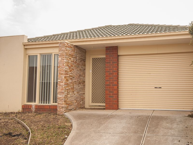 22 Broadwater Street MANOR LAKES