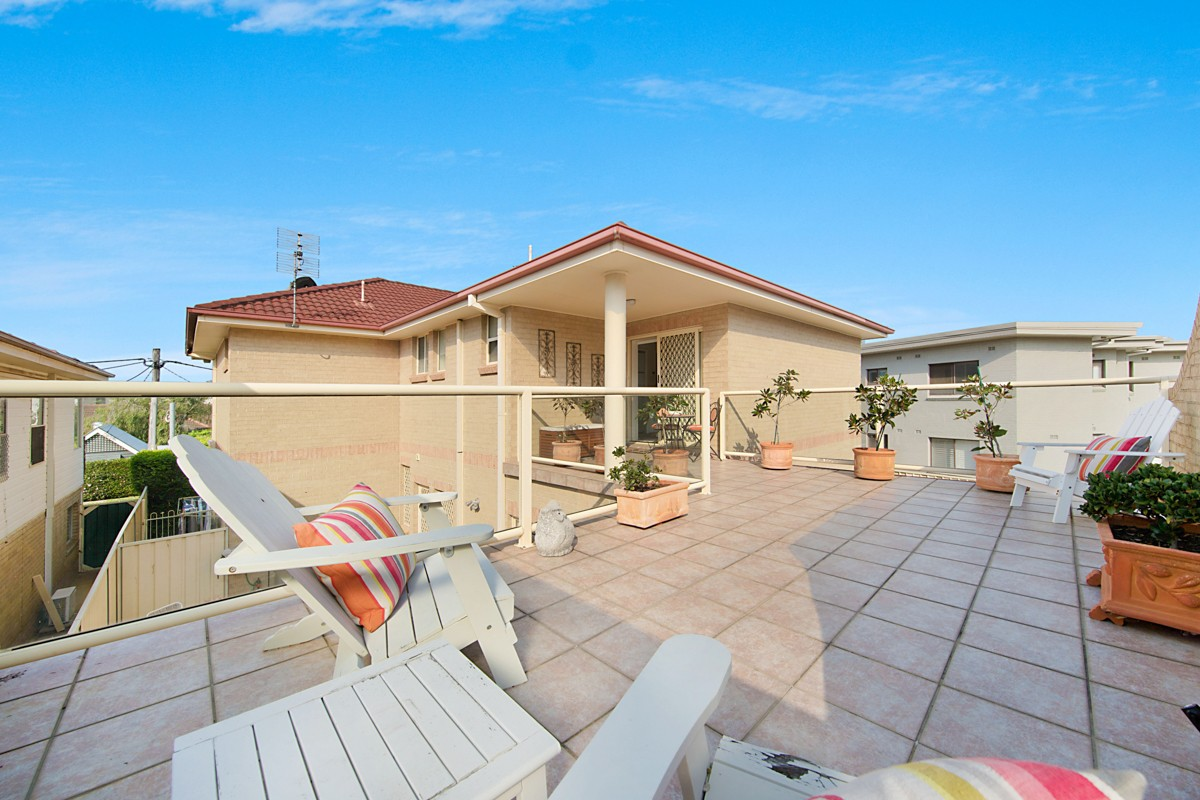 2/2 Margaret Street MEREWETHER