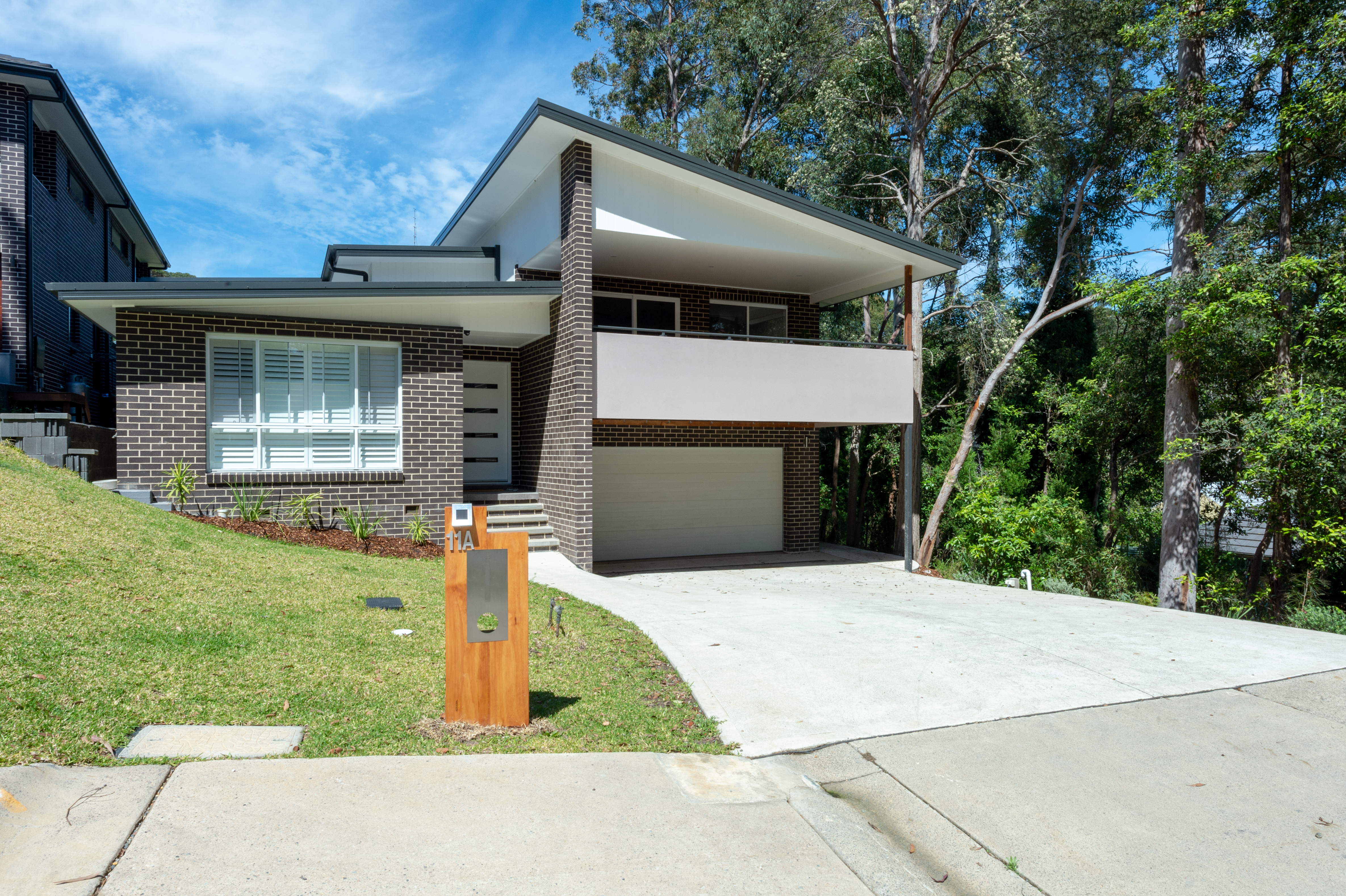 11a Grand Valley Way NEW LAMBTON HEIGHTS