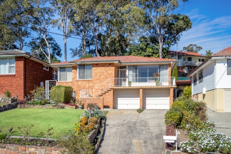 6 Elvidge Crescent