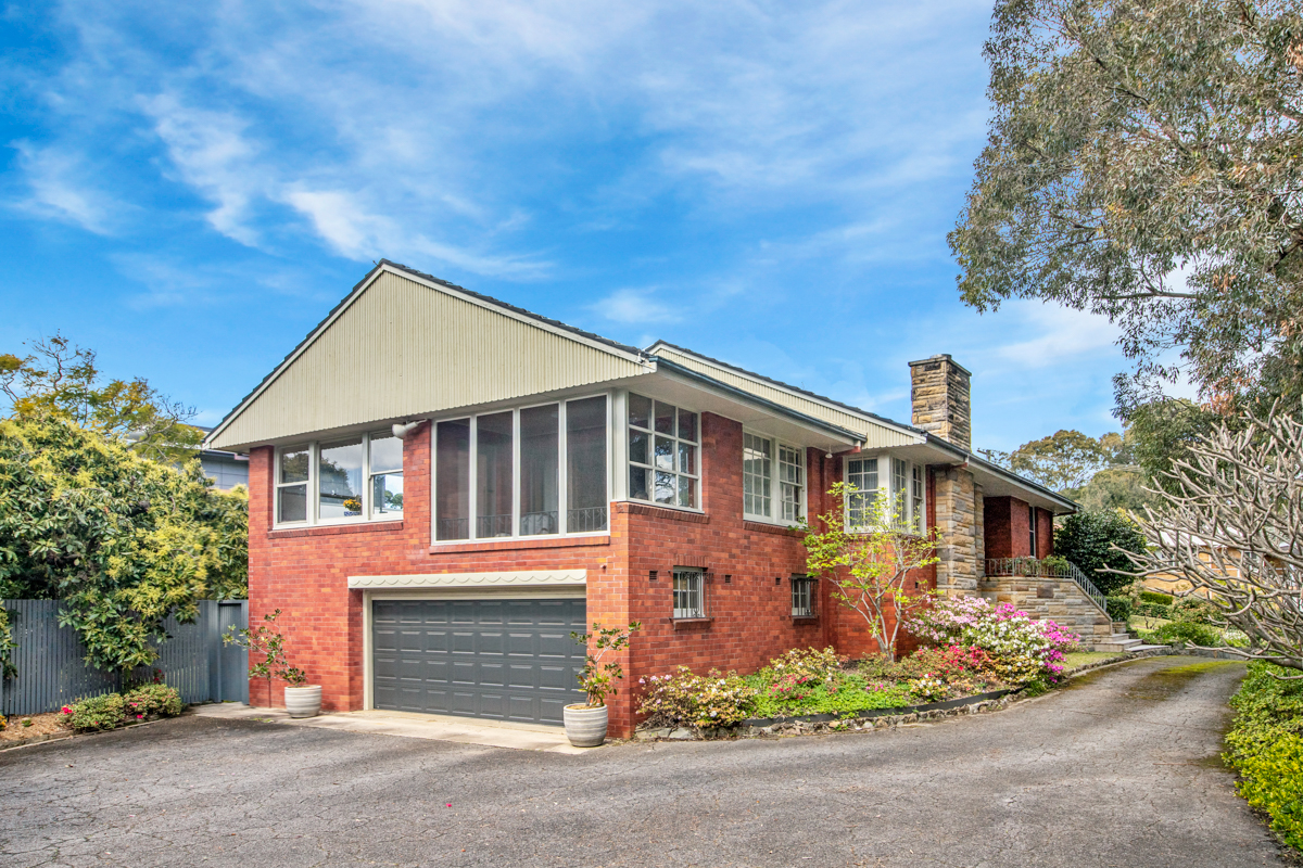 4 Hurn Street NEW LAMBTON HEIGHTS