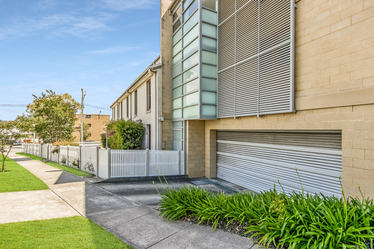 4/151 Teralba Road ADAMSTOWN