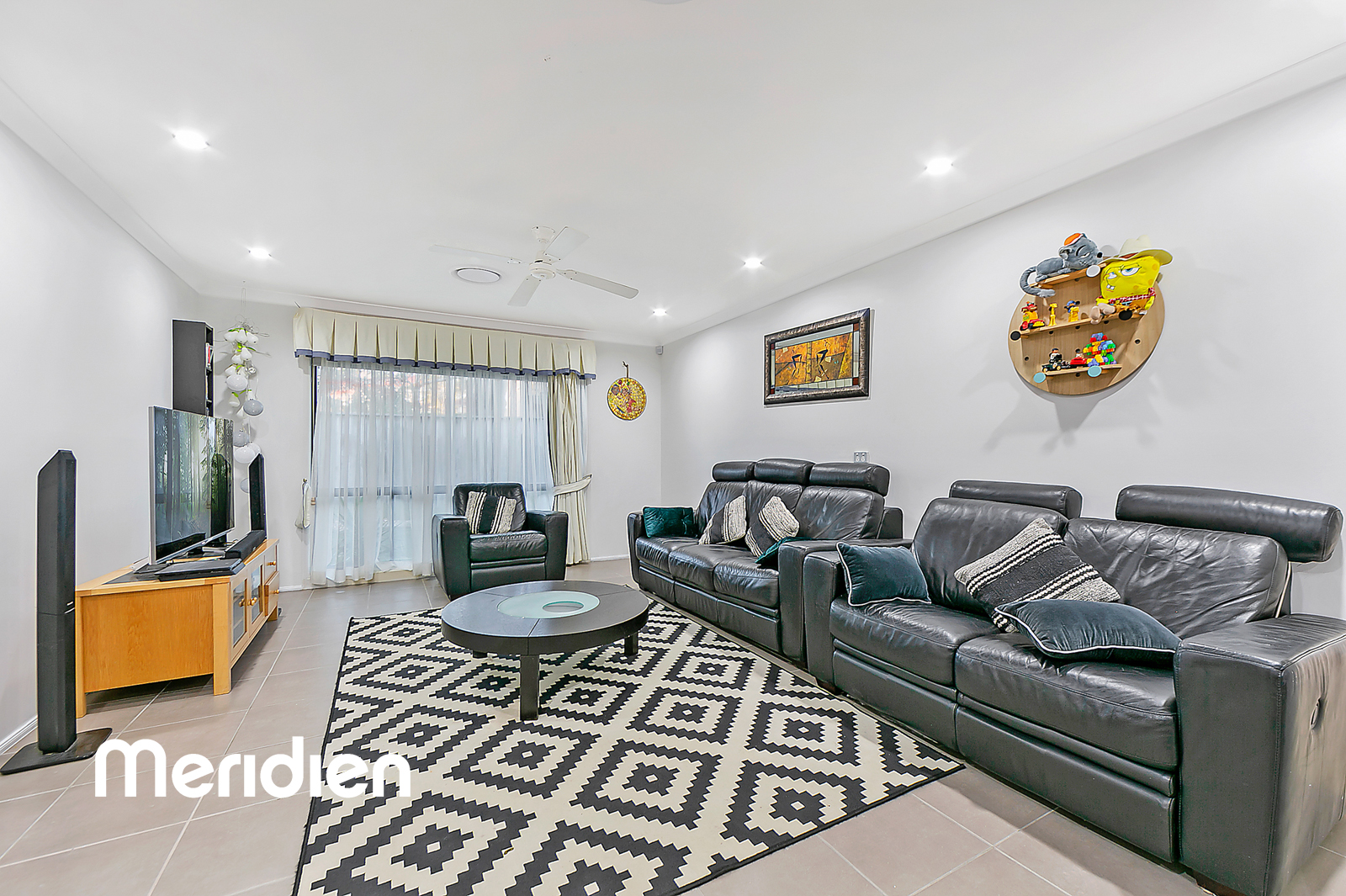 8 Green Hills Drive ROUSE HILL