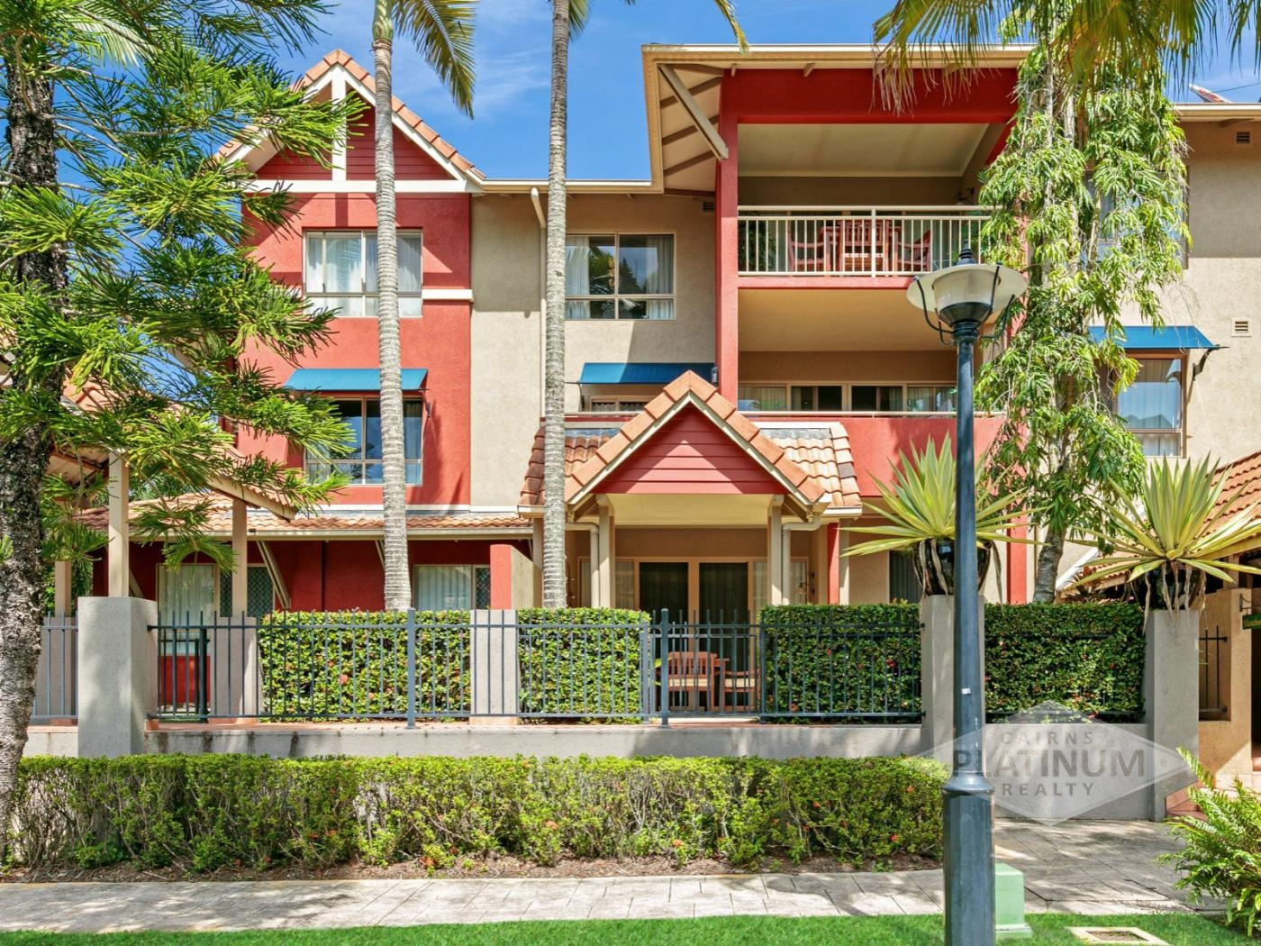 1110/2 Greenslopes Street CAIRNS NORTH