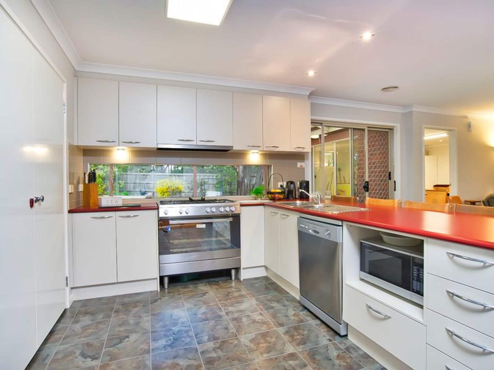10 Yarra Gum Place Mount Clear