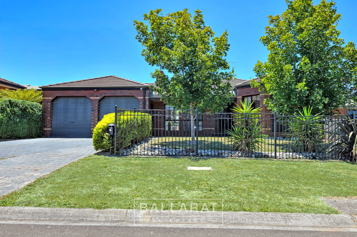 6 Loren Close Ballarat North