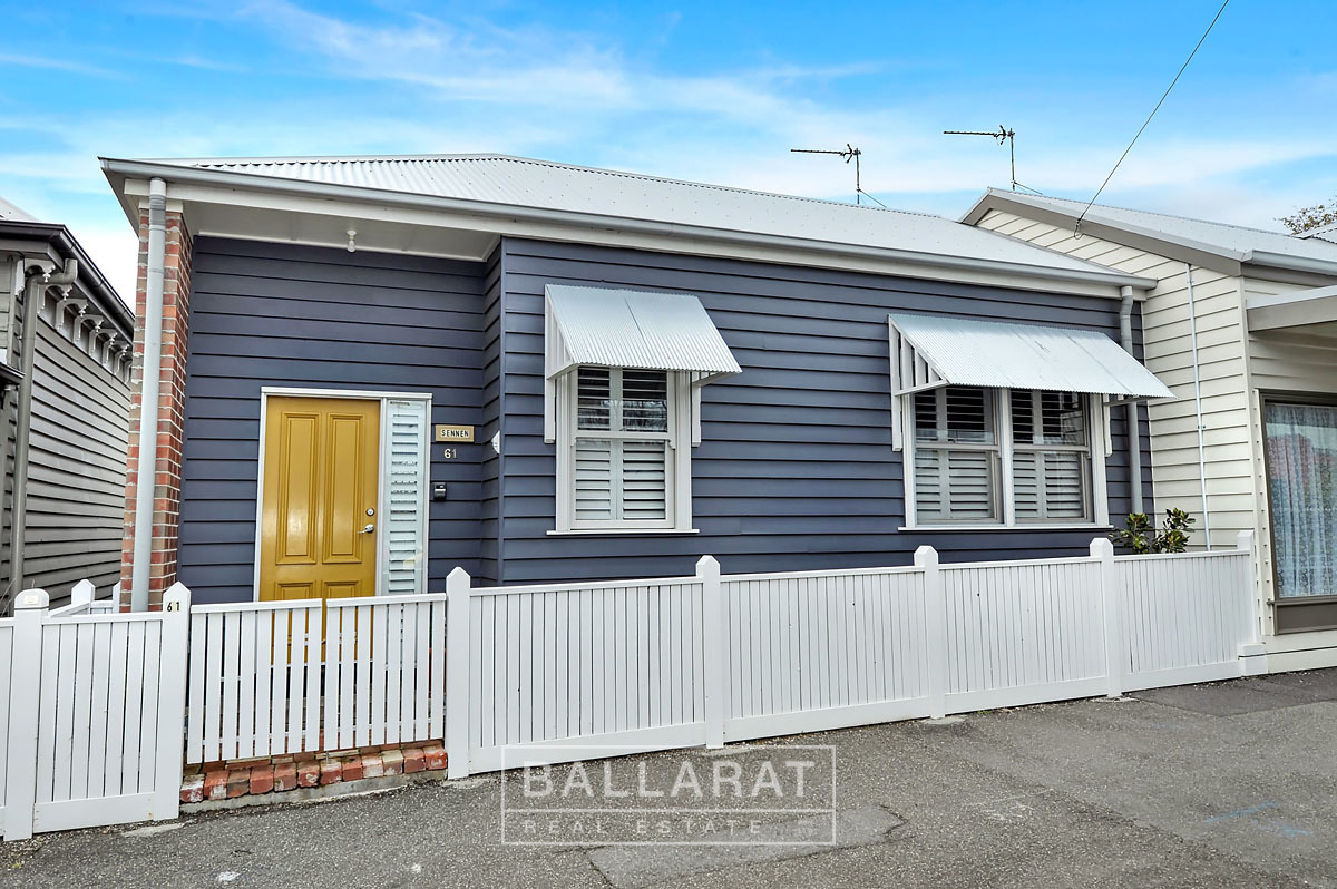 61 Peel Street South Golden Point