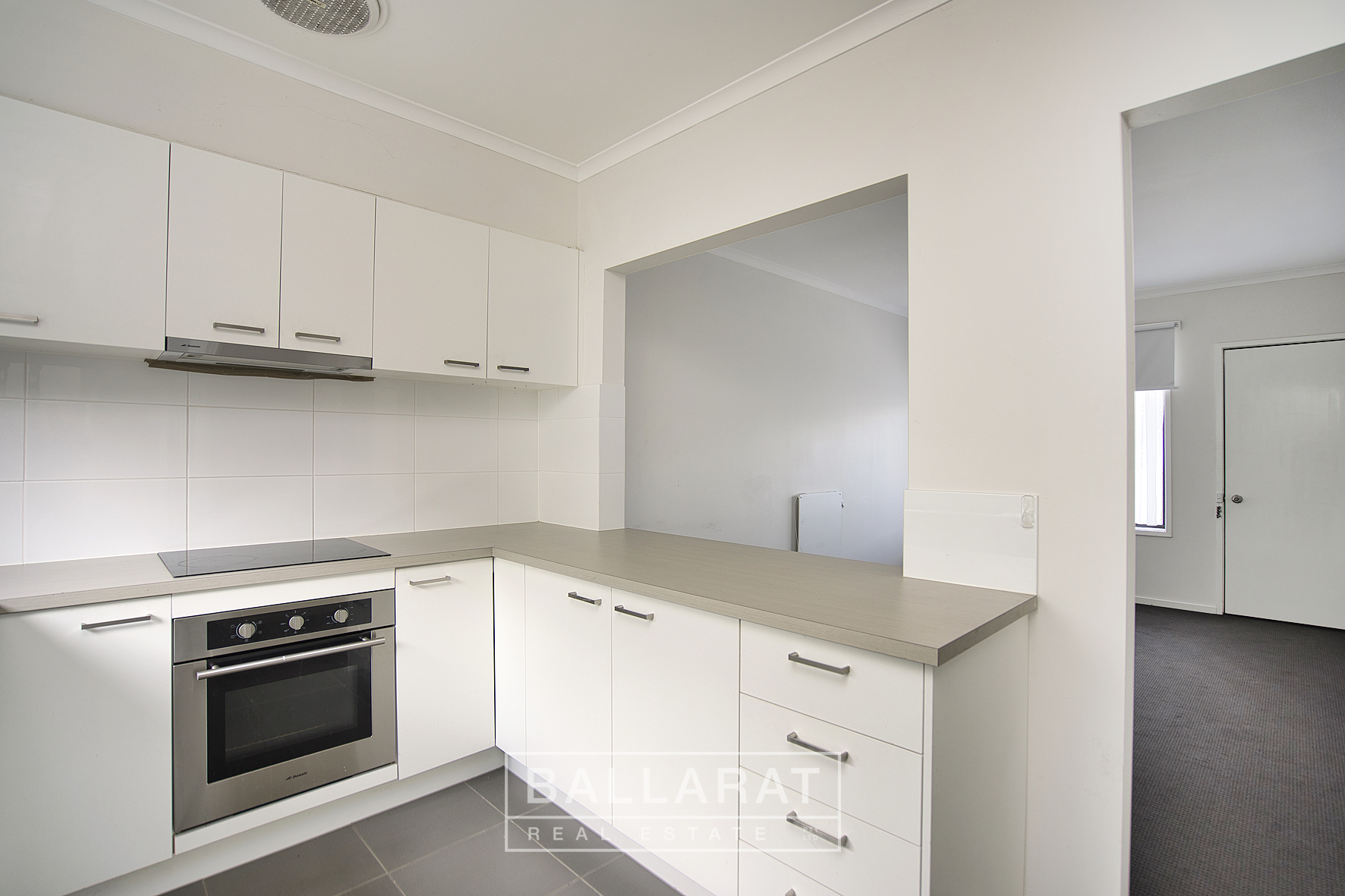 2/633 Bond Street Golden Point