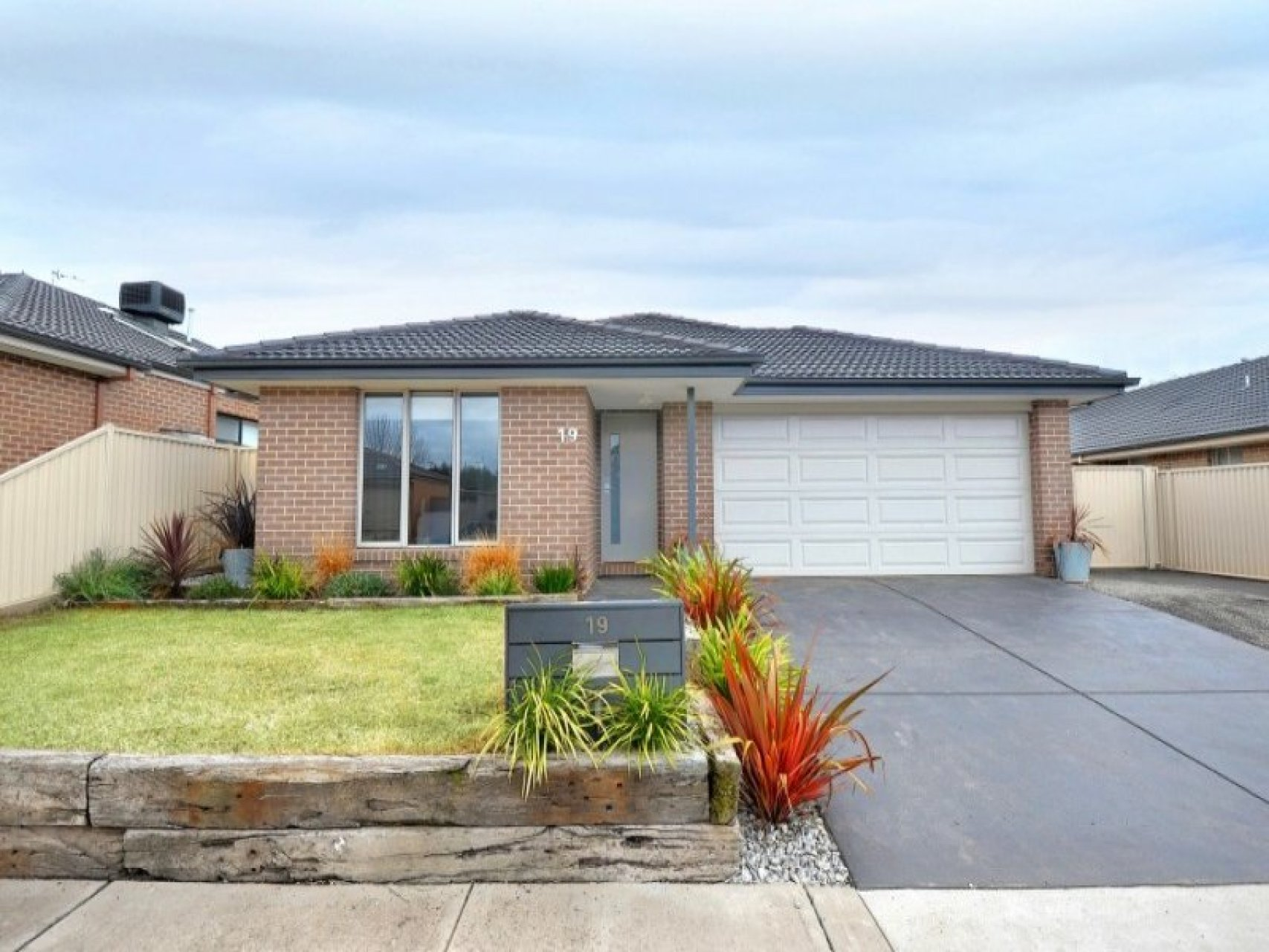 19 Grand Junction Drive Miners Rest