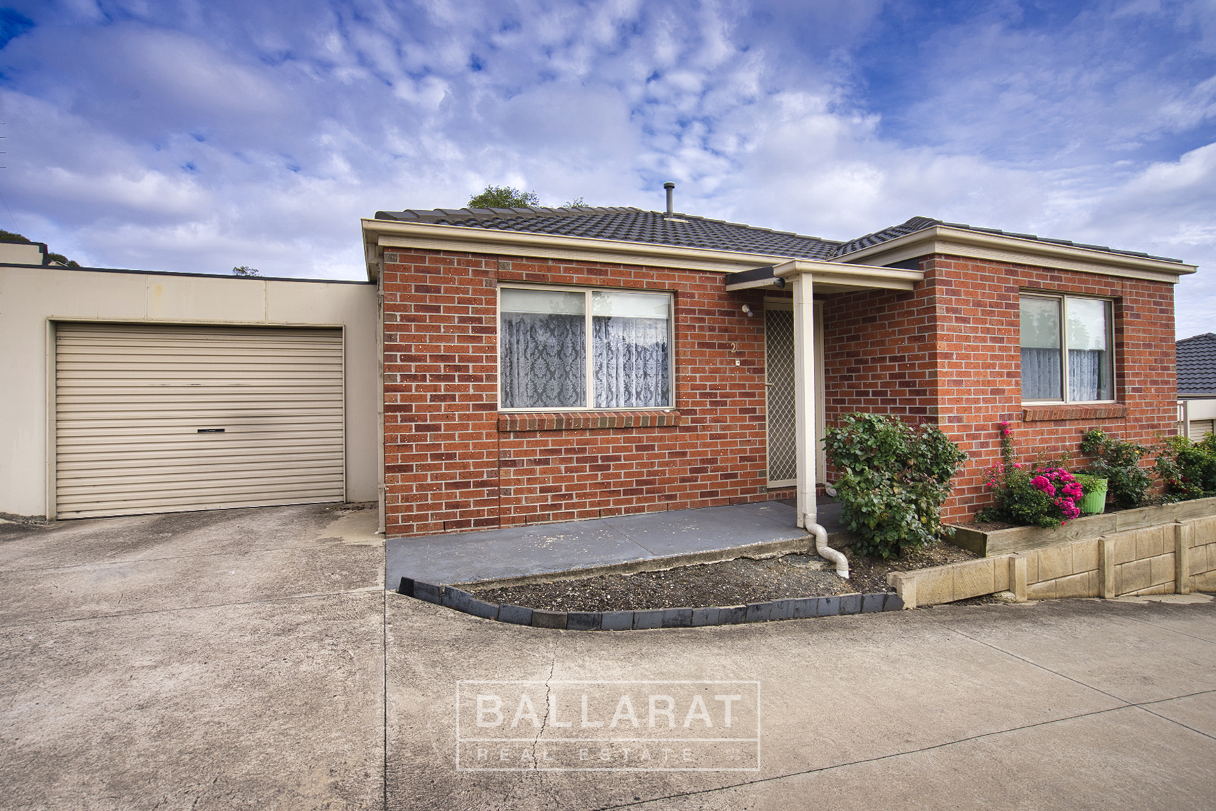 2/8 Gale Street Canadian