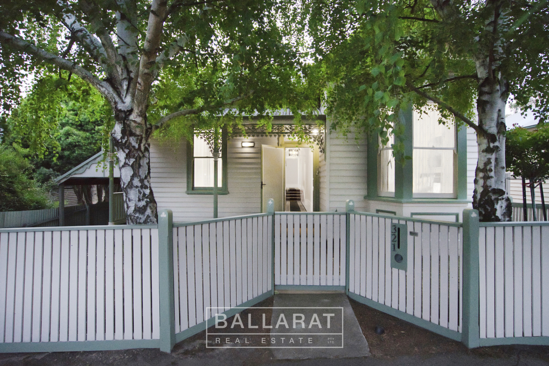 321 Peel Street North Black Hill