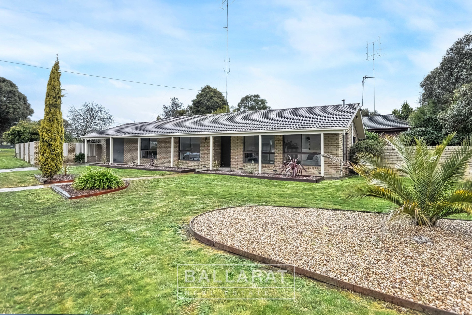 8 Hocking Avenue Mount Clear