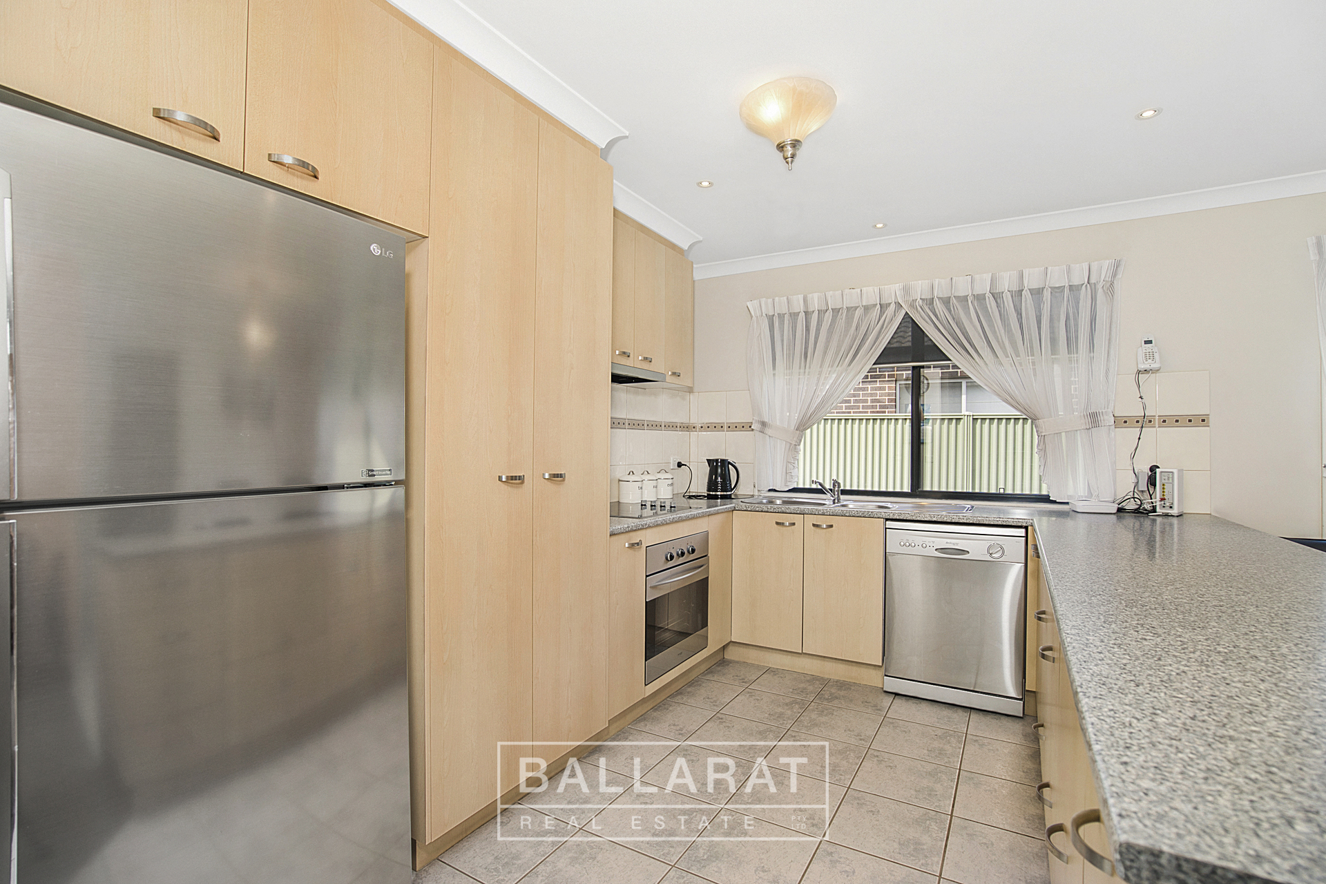 25 Lowry Crescent Miners Rest