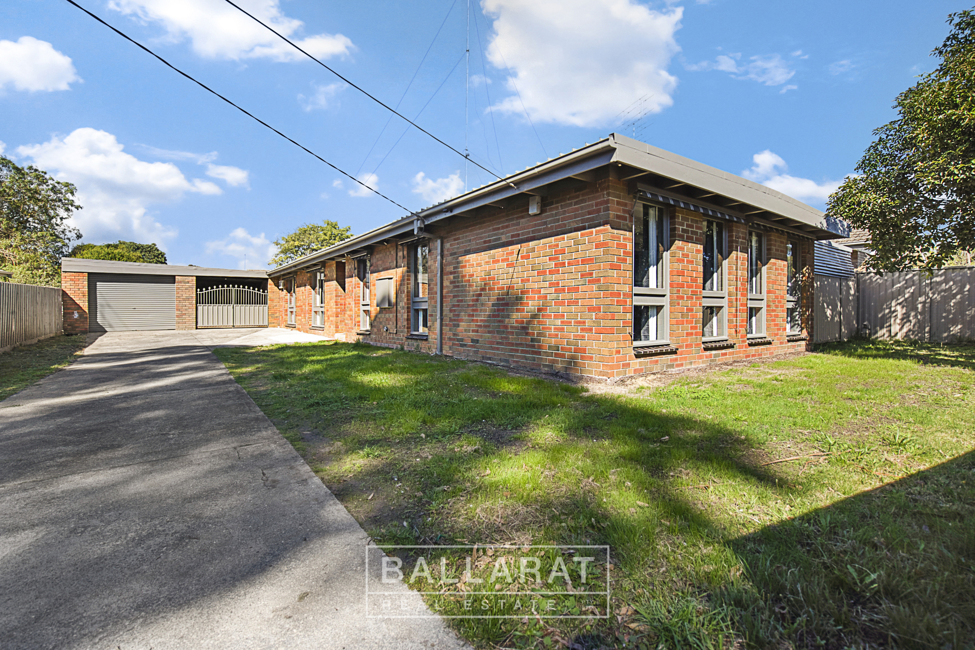 12 Hocking Avenue Mount Clear
