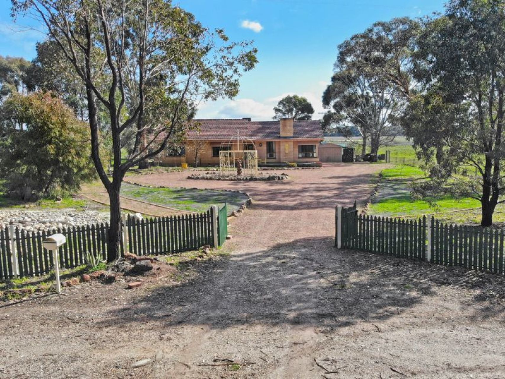190 Dunolly - Avoca Road Dunolly