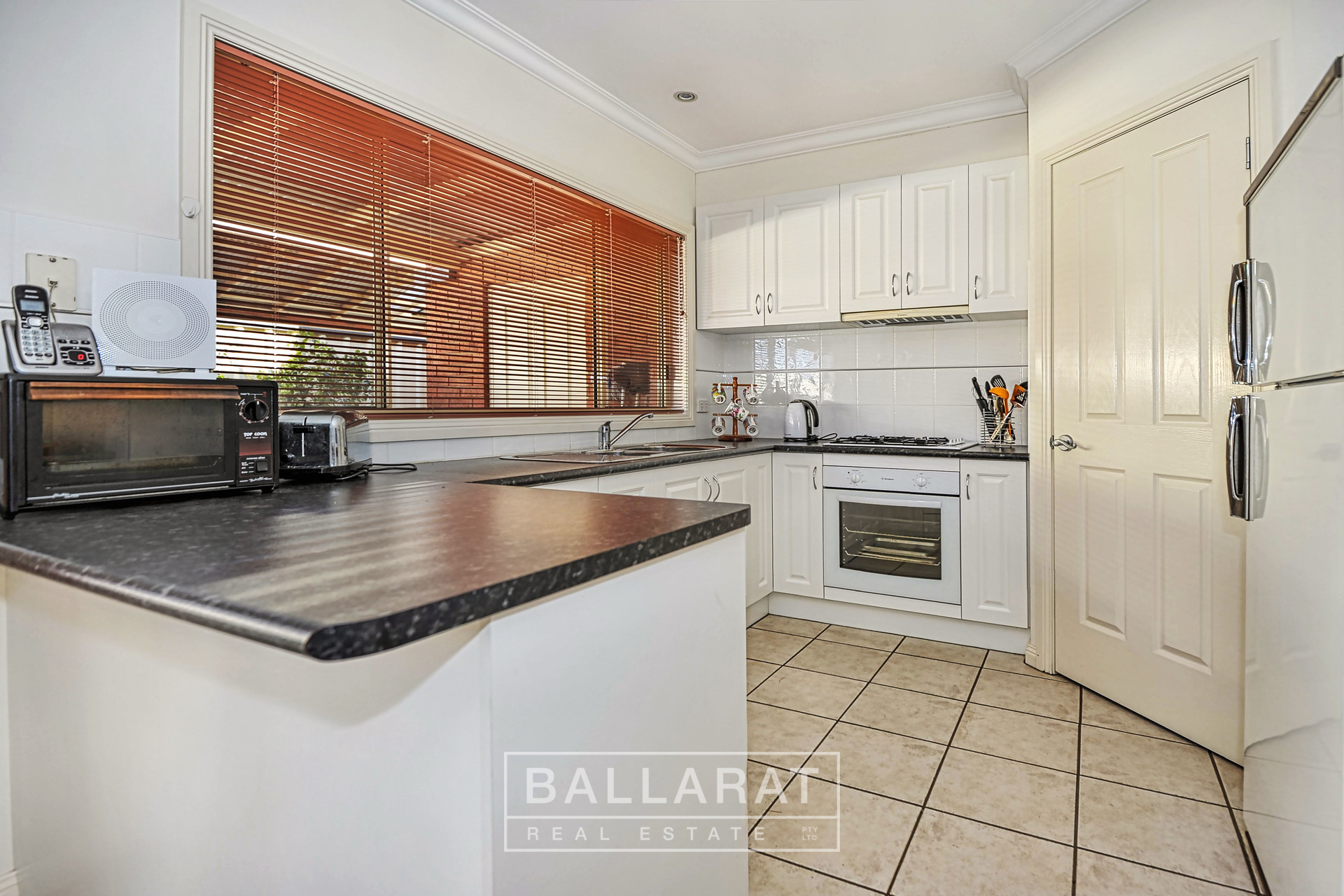 1/16 East Field Street Maryborough