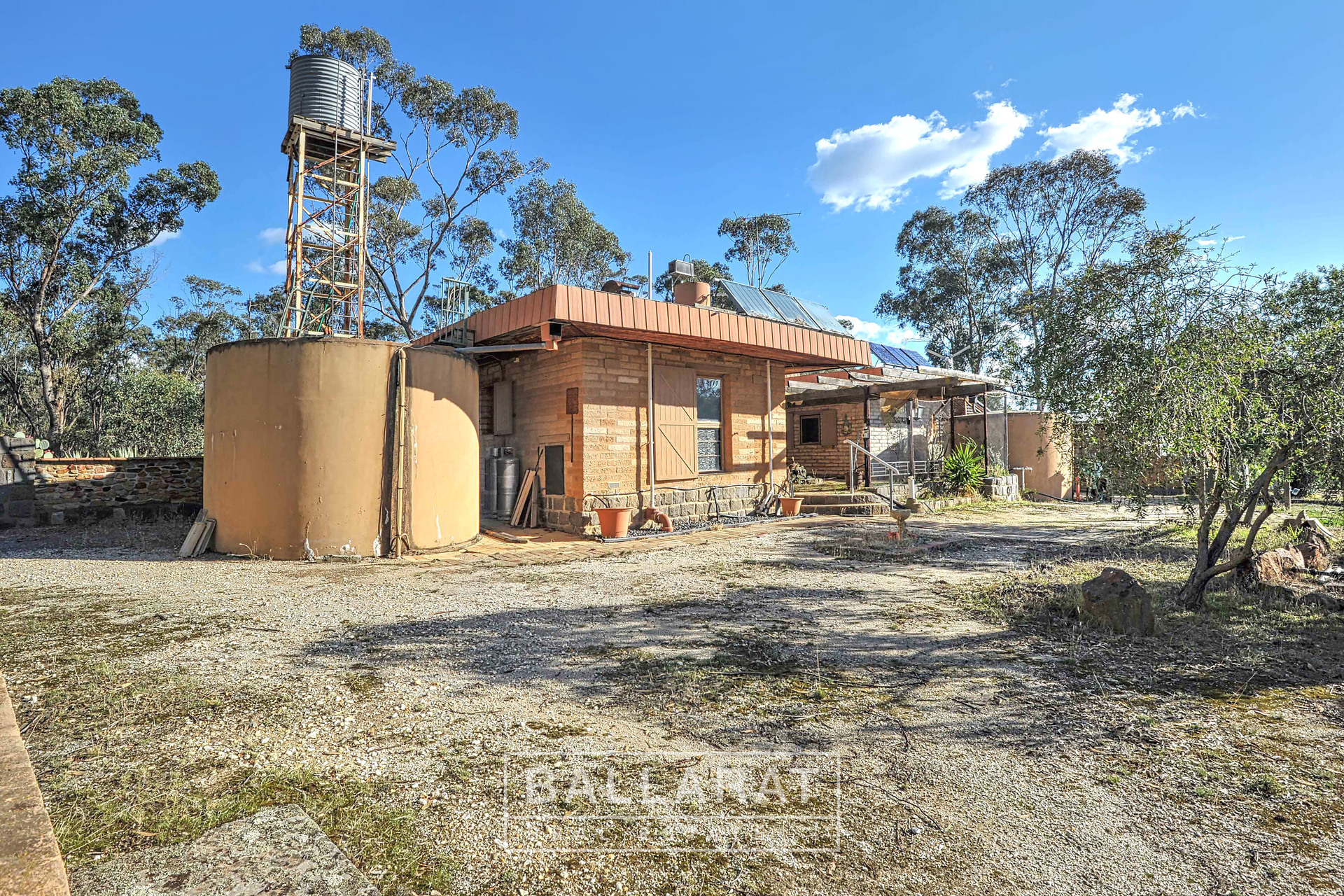 55 Mcmillan Road Green Gully Close To Newstead