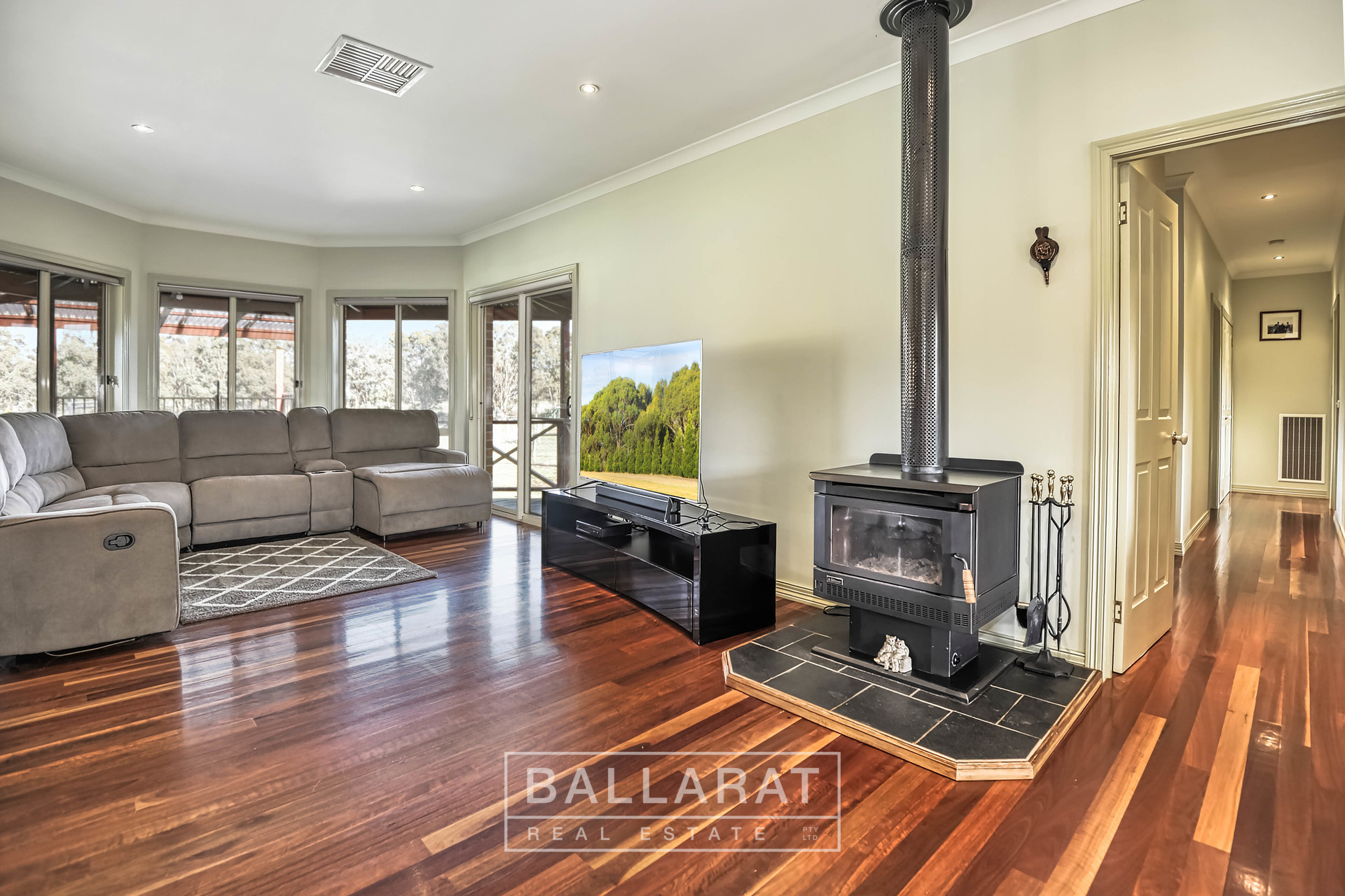 16 George Cook Drive South Daisy Hill