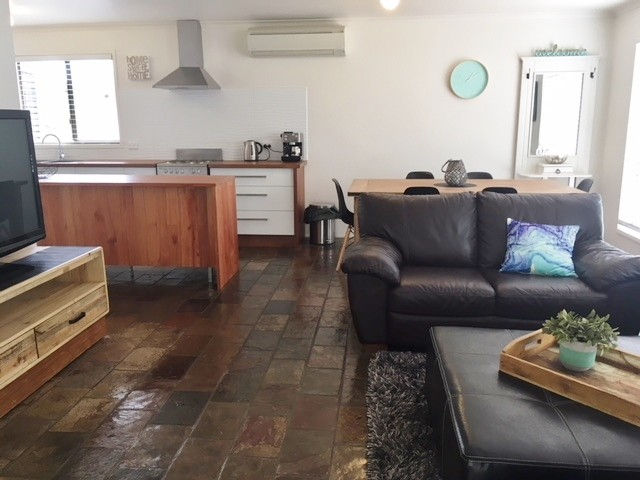25 ANGLERS RD CAPE PATERSON