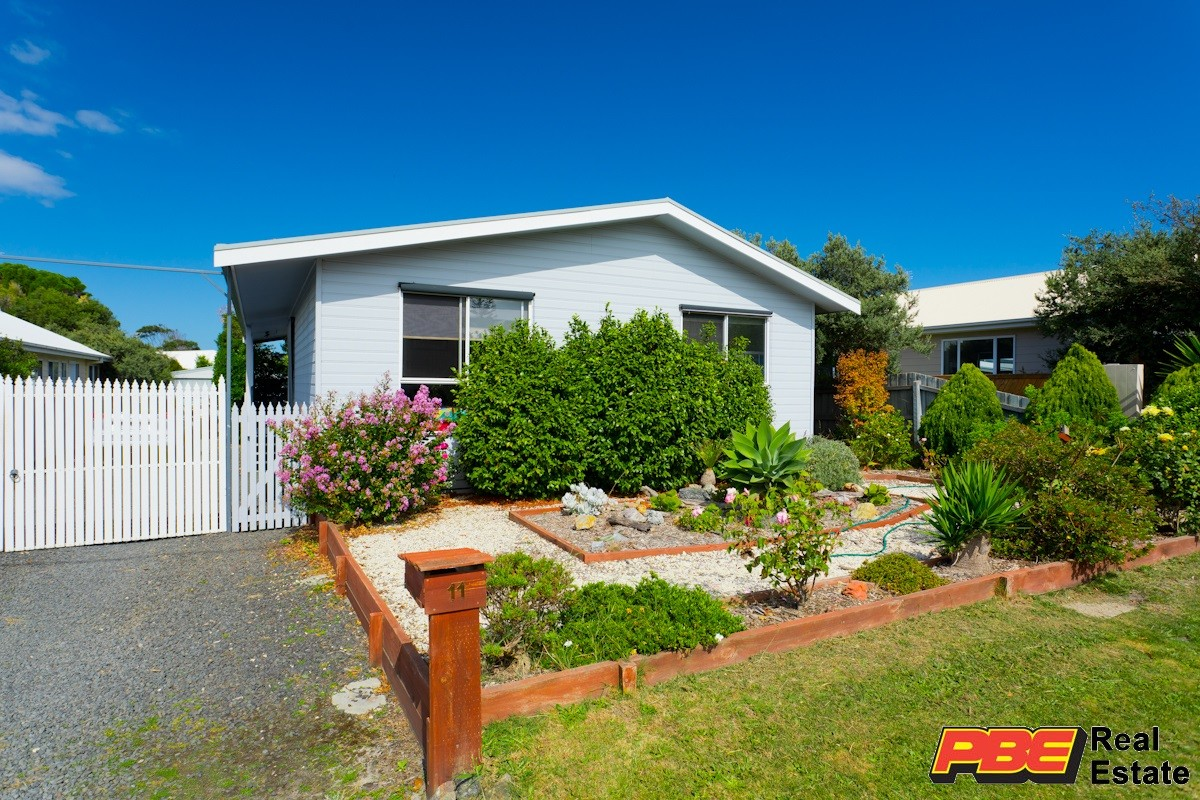 11 REEF STREET CAPE PATERSON