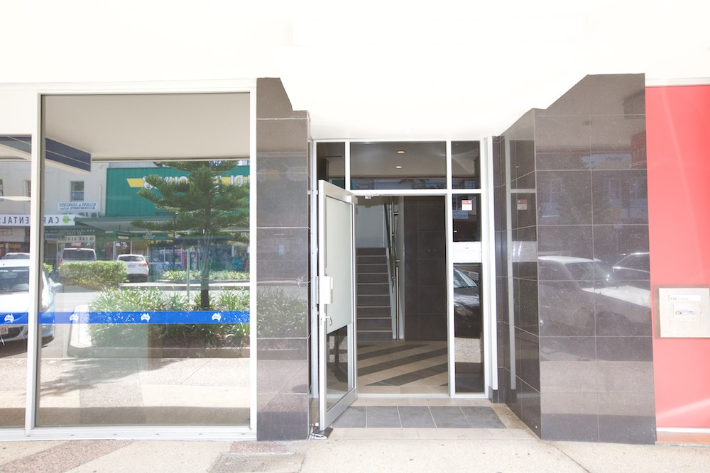1/4 Griffith Street COOLANGATTA