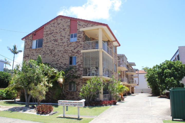 8/3 Boyd Street TWEED HEADS