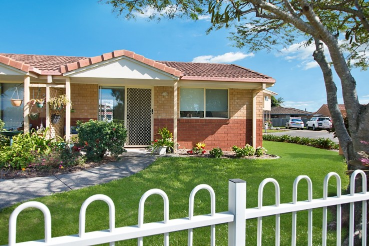 18/74 `Carey Cottages' - Greenway Drive