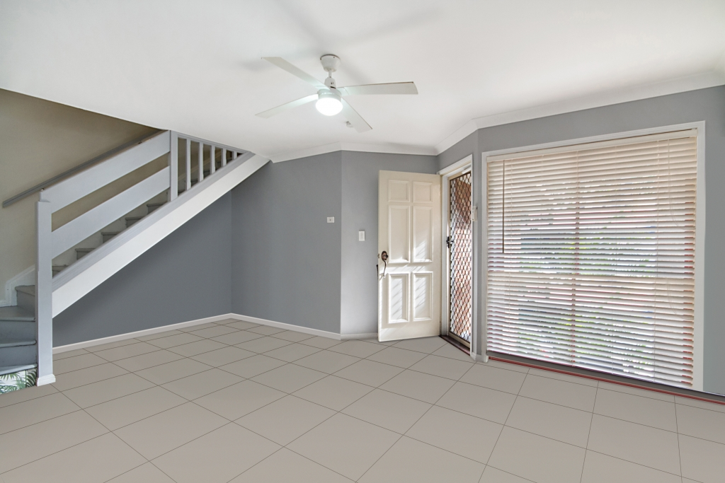 4/454-456 `Zivanovic Villas' - Coolagatta Road TUGUN