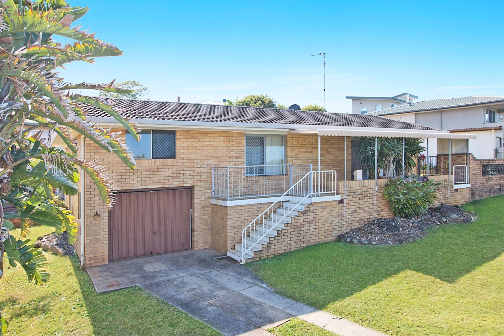 47 Oyster Point Road BANORA POINT