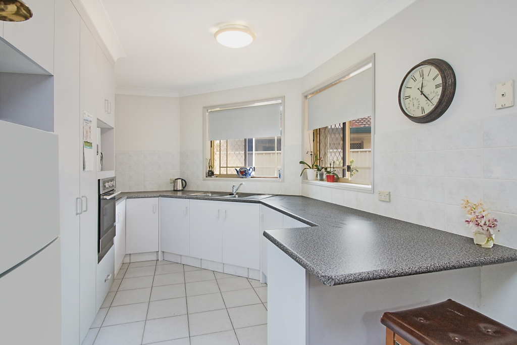 4/6 Advocate Place BANORA POINT