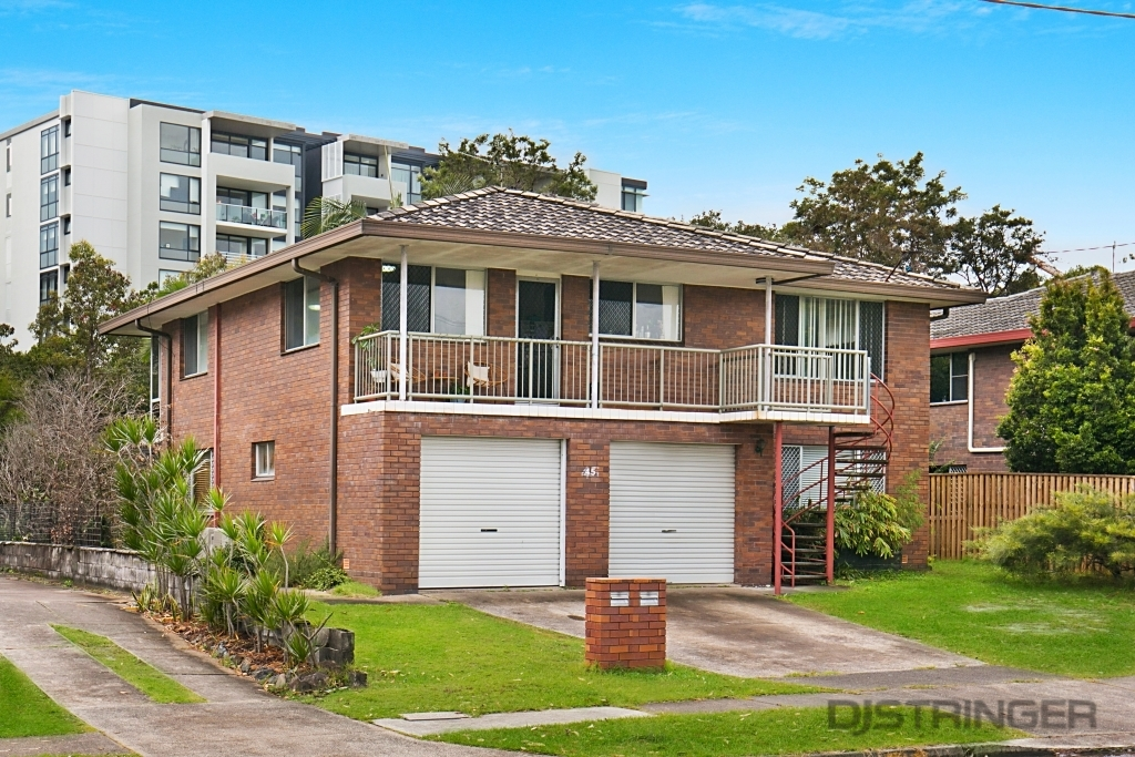 2/45 Coolangatta Road Kirra