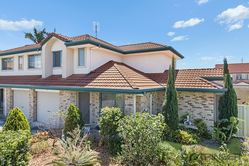 10/92 Greenway Drive Banora Point