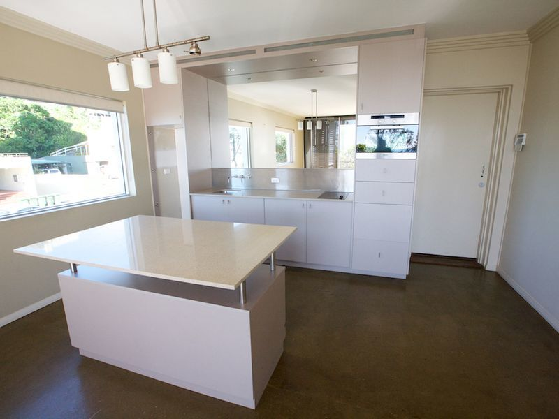 2/796 Pacific Parade Currumbin