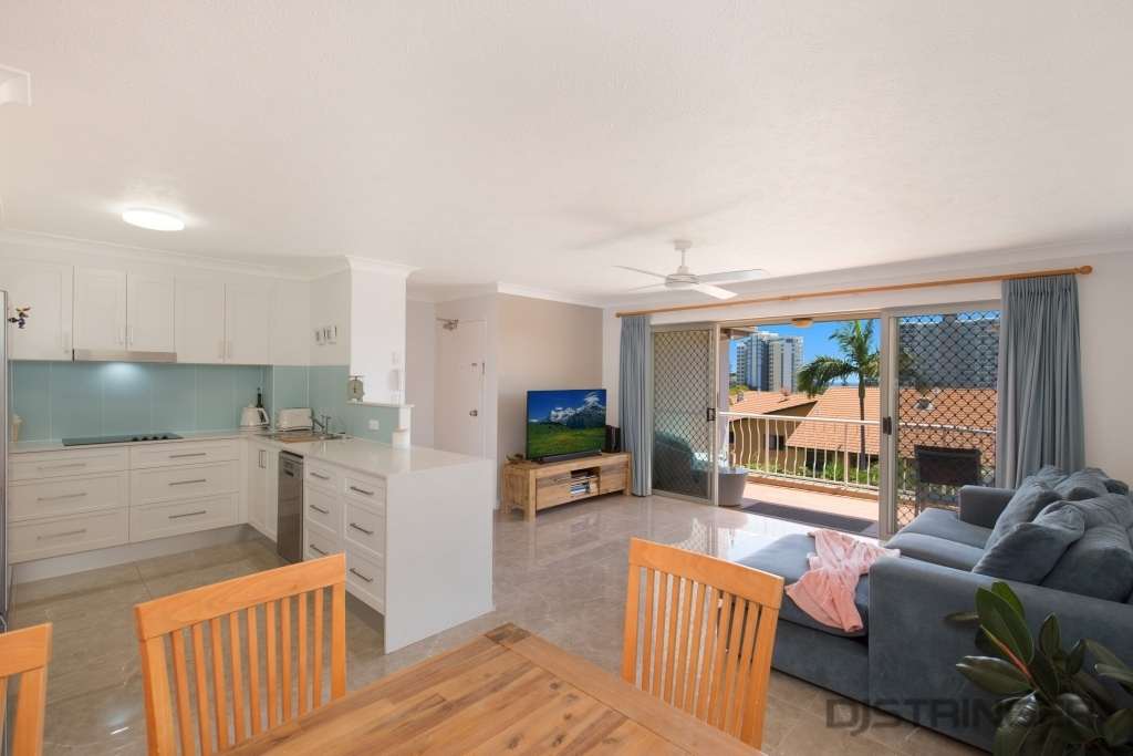 19/31 Dutton Street Coolangatta