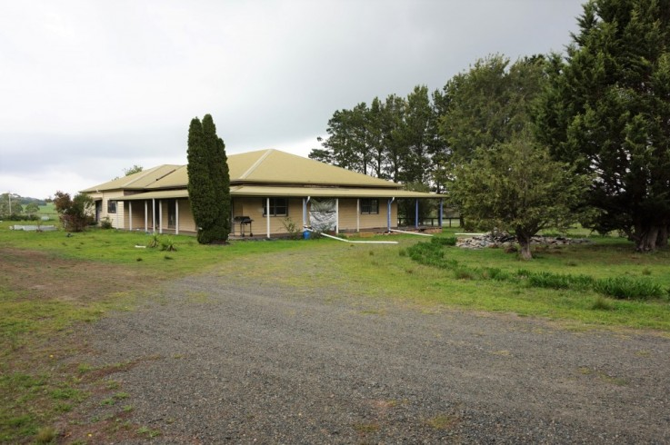 245 Badgerys Lookout Road